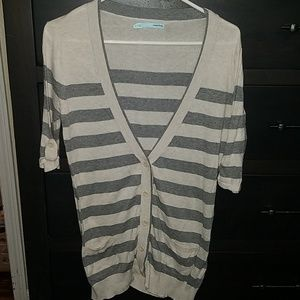 Maurices gray stripe low cut vneck top small